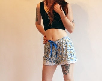 Vintage Floral Shorts 90s Shorts High Waist Shorts Flower Power Shorts 90s 80s Fashion Vintage Summer Shorts