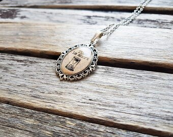 Time Is Short Cameo - Memento Mori Necklace - Victorian Memorial Symbolism Inspired Jewelry - Mourning Jewellery - Carpe Diem - Hourglass