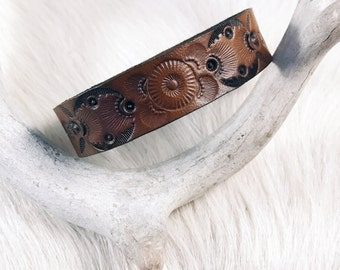 Bangle Bracelets, Leather Wristbands, Leather Bracelets, Leather Jewelry, Western Jewelry, Boho Jewelry, Leather Wristband, Tooled Leather