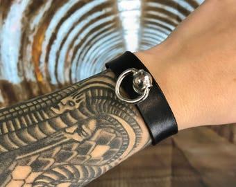 Narrow Doorknocker Bracelet, Leather Bracelet  with Buckle, Bracelet with Ring