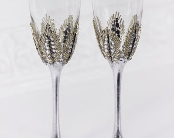 Personalized Champagne Glasses, Silver Wedding Glasses for Bride and Groom, Swarovski Flutes, 25th Wedding Anniversary Toasting Glasses 2pcs