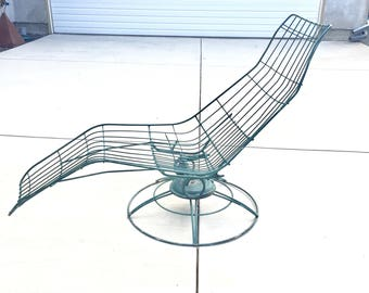 Shipping - Vintage Homecrest Wire Banana Siesta Lounge Chair