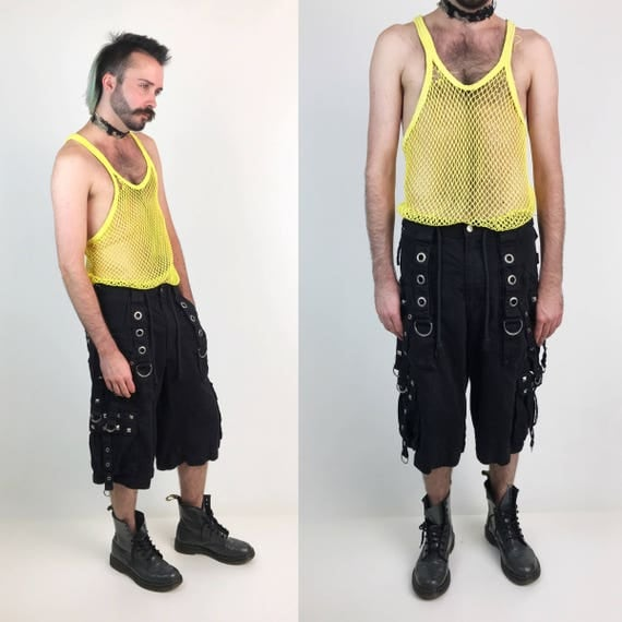 90's TRIPP Mens Shorts Black Industrial Goth Baggy Size 33 - Hot Topic 1990s Gothic Rave O-ring Black Denim Shorts VTG Punk Grunge Style