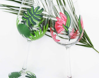 Tropical Wine Glass, Palm Wine Glass, Birds of Paradise, Tropical Gift Idea, Bridal Party Wine Glass, Wine Gift Basket, Gifts for Her