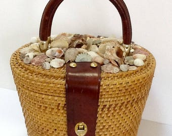 Vintage Wicker Box Purse / Nantucket Basket Purse / Top Handle / Med SZ /  Beach / Retro / Boho / Preppy / 1970's to 80's / High Fashion