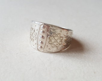 Size 11 3/4  traditional Norrbotten province ring, Sterling silver, Sweden (F560)