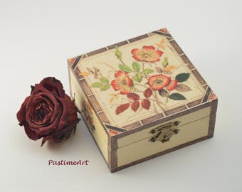 Rose hip bush jewelry box, jewelry box, decoupage box, shabby chic box, Rose hip box, home decoration, art box, handmade, floral box