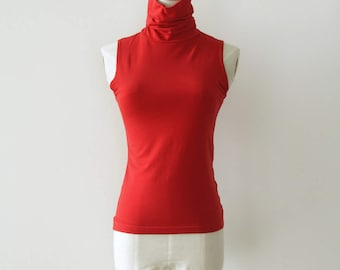 90s red turtle neck tank. Red high neck top. 90s roll neck top. Nu rave red shirt. Twin Peaks shirt. Size S - M