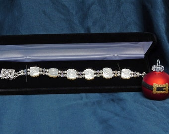 Pure Elegance Mother Of Pearl  Bracelet in White