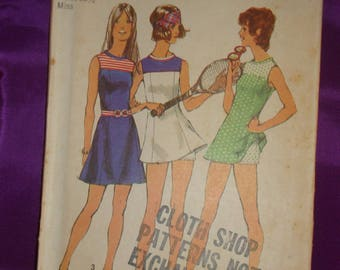 1970s 70s Vintage Front Yoked Princess Seam Mini or Tennis Dress with Shorts UNCUT Simplicity Pattern 5059 Bust 34 Inches 87 CM