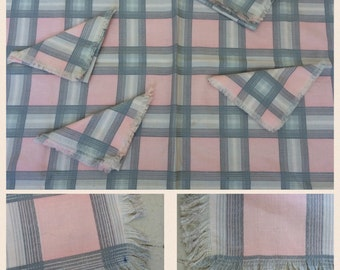 1950s Mid Century Classic Luncheon Table Cloth and 4 Napkins Cotton Pink & Grey Plaid Fringed Edges