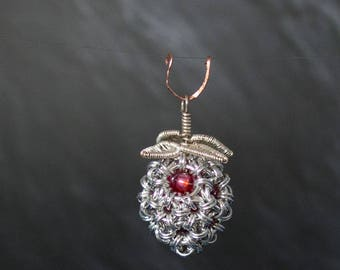 Chainmaille pendant strawberry, Chainmaille Strawberry pendant