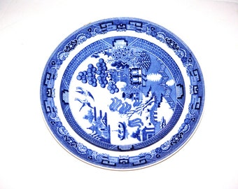 "Willow Wedgwood 10"" Dinner Plate, Blue and White, Marked Wedgwood Etruria England, 1960s"