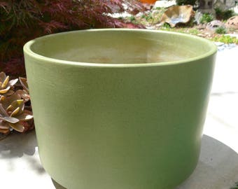 Retro Avocado Green Speckled Gainey Planter, Mid Century Modern, Vintage, Architectural Pottery