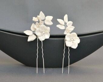 Bridal hair pins, white flowers hair pin set, bridal hair pin set, romantic hair pins