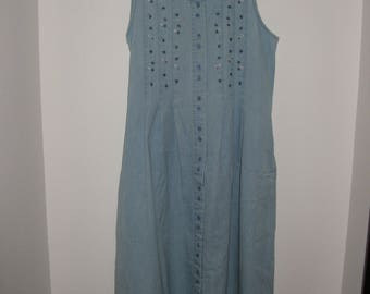 Womens Size M Northern Treasures Embroidered Light Wash Denim Jumper, possible maternity wear, FREE SHIPPING