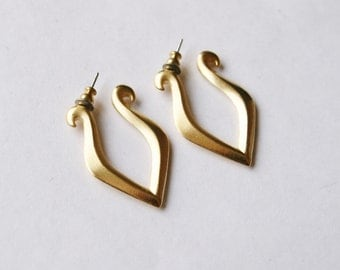Unusual Matte Gold Semi-Hoop Earrings // Gold Plated // 90's Vintage Earrings For Pierced Ears // Simple / Minimalist // Made in the UK