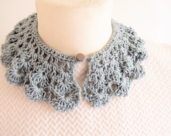 Vintage style lace collars