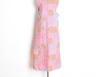 70s smock dress, vintage 70s dress, 70s maxi dress, hippie dress, apron dress, caftan dress, pink dress, paisley print dress, 70s clothing
