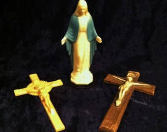 Vintage Lot Of Plastic 1950's Mary Statue And Crucifixes