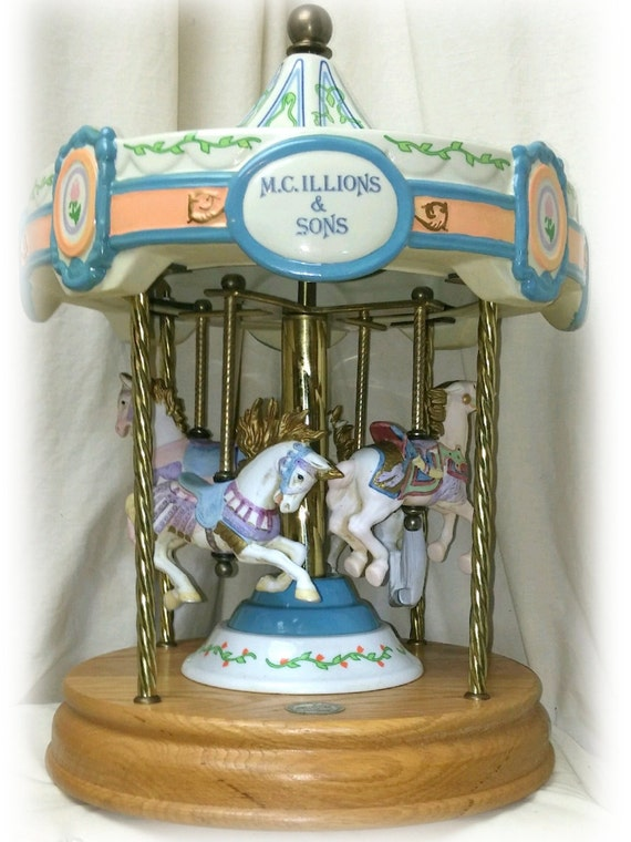 Collectible CAROUSEL MUSIC BOX, Limited Edition, Tobin Fraley Great Investment