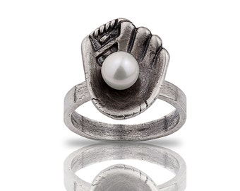 Sterling Silver Baseball Mitt Pearl Ring, Baseball Jewelry, Baseball Player Gift, Baseball Mitt, Sports Jewery, Pearl Ring