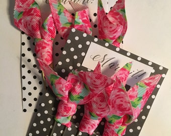 Adorable Lilly inspired ribbon planner clips.  Choose from five Lilly inspired patterned ribbons, extra large planner clips. Set of three.