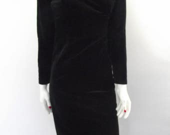 Vintage dress 80s Black velvet evening dress off shoulder neckline size small medium