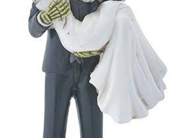 Frankenstein carrying Bride - Frankenstein - Monster Love - Bride of Frankenstein - Wedding Cake Topper