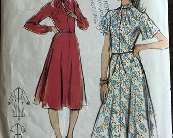 Butterick 5416 - 1970s Semi Fitted and Flared Dress with Bank Collar and Slash Front - Size 12 Bust 34