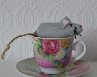 Toy mouse in a box/Child's toy mouse in a matchbox with bedding for ages 4 years and over