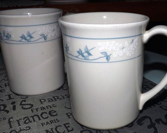 Vintage (c.1980s) Corelle | Corning USA | Corning Ware First of Spring mug. Gently embossed blue-&-white blue florals. Made in USA.
