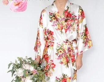 Monogrammed Bridesmaid Robes, Set of 6,7,8,9,10,11,12,13, Free Shipping Robes, Floral Robes, Bridesmaid Robes, Flower girls robes