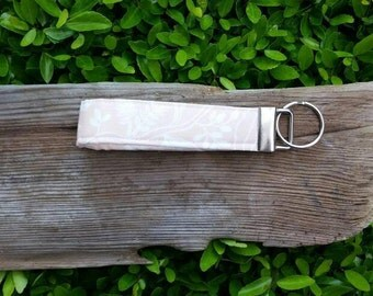 Light pink key fob | floral | Rifle Paper Company | lanyard | key wristlet