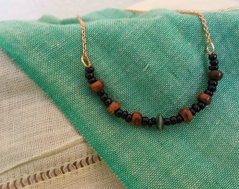 Evergreen Necklace // Beaded Necklace with Wooden Beads