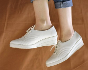 Vintage Early 1990s White Lace Up Wedge Athletic Trainers Sneakers New Deadstock UK6 EU39 US8.5