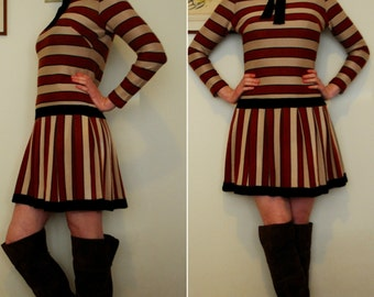 Adorable rust and tan striped mod 1960s dress (small medium)