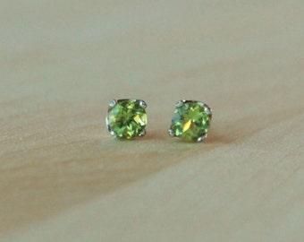 5mm Peridot Argentium Silver Earrings - Nickel Free Hypoallergenic Stud Earrings
