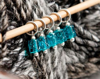 Snag Free Stitch Markers in Turquoise Blue Splatter Glass, Set of 5