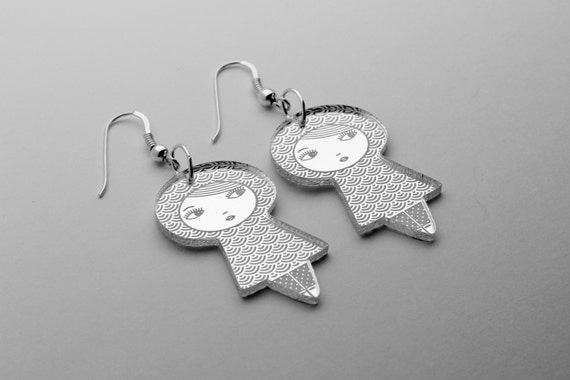 Seigaiha doll earrings - graphic kokeshi earrings - cute matriochka jewelry - lasercut acrylic mirror - sterling silver hooks