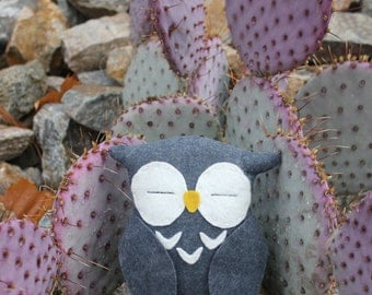 Gray Owl Plushie/Owl Stuffed Animal/Animal Toy/Wool Felt Plush