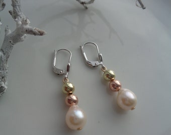Gold Earrings in 585-er white gold, pink gold and yellow gold Akoya pearl