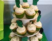 The hulk/ cupcake topper/ hulk smash/ marvel/ the Incredible Hulk/ hulk party decor/ hulk hand