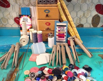 Large variety of vintage sewing notions