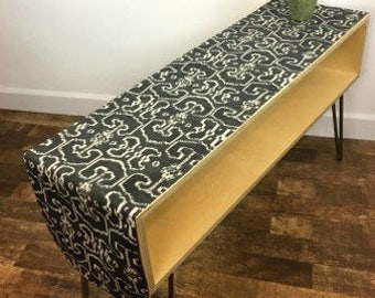 "Charcoal Grey and Oatmeal Batik Pattern Table Runner - 13.5"" Wide x 66"" Long"