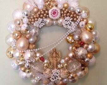 Elegant vintage Easter ornament wreath.  Gorgeous!