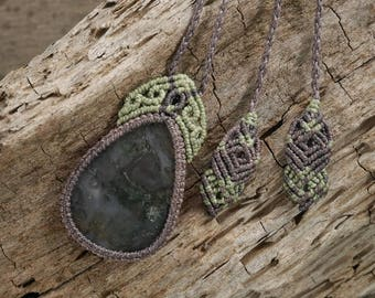 Handmade Moss Agate Macrame Necklace / Metal Free