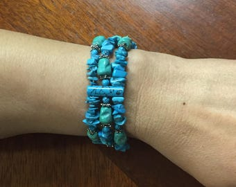 Beautiful Ladies Turquoise Stretch Bracelet