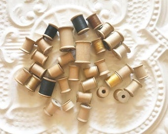 33 Vintage Thread Spools