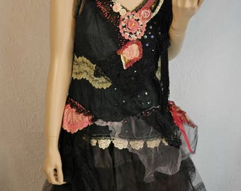 Art to wear, Top Romantic black lace, bohemian , feminine, chic , antique , Unique, Bouton rose, boutonrose, haut noir